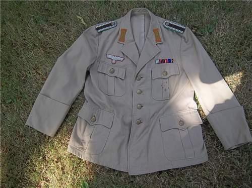 Polizei  Uniform?