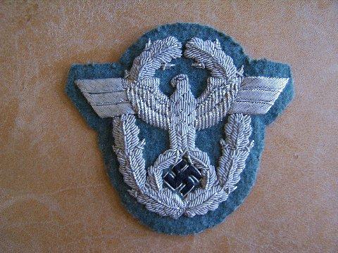 Officer's sleeve eagle in bouillon, original?
