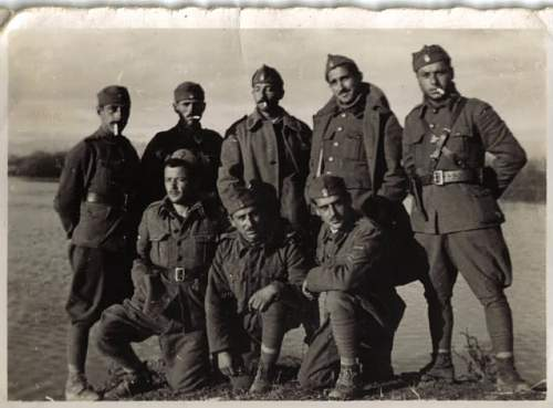 Group photo of Greek soldiers, 1941