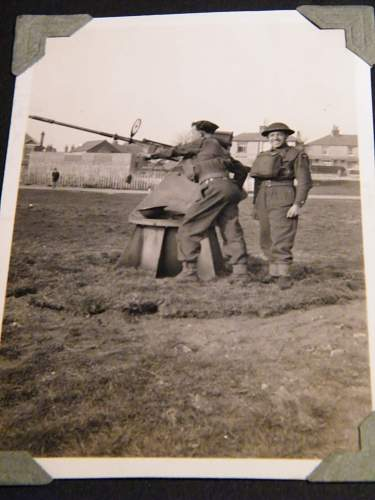 Click image for larger version.  Name:ww2 family pics 026.jpg Views:106 Size:224.2 KB ID:121381