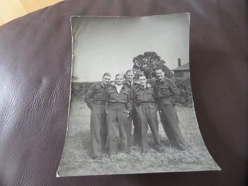 Intetesting RAF Aircrew photo