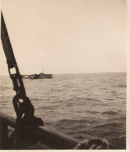 Click image for larger version.  Name:d-day..at sea..4.jpg Views:211 Size:243.7 KB ID:197139