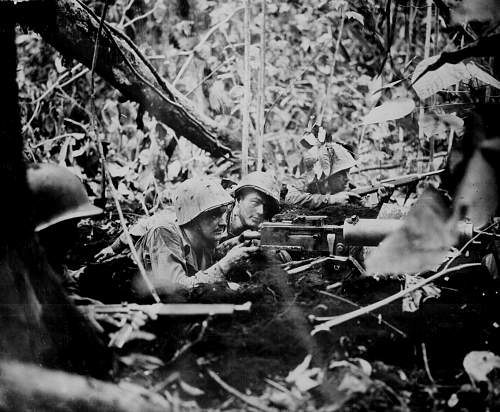 Click image for larger version.  Name:americans in pacific with m1917.jpg Views:81 Size:161.3 KB ID:256876