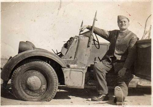 Click image for larger version.  Name:dad in desert, wreck.jpg Views:124 Size:142.9 KB ID:261713