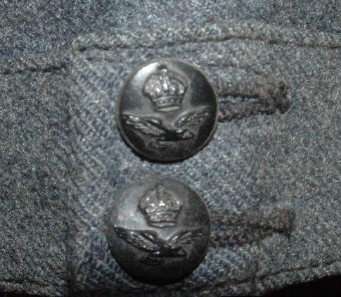 Name:  RCAF Air Cadet Cap Buttons.JPG Views: 240 Size:  70.0 KB