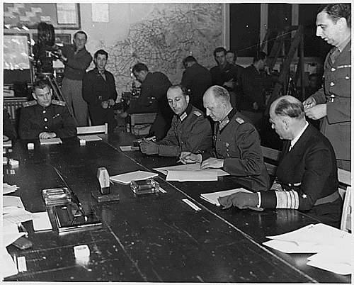 3 Framed Postcards - German Surrender in Reims