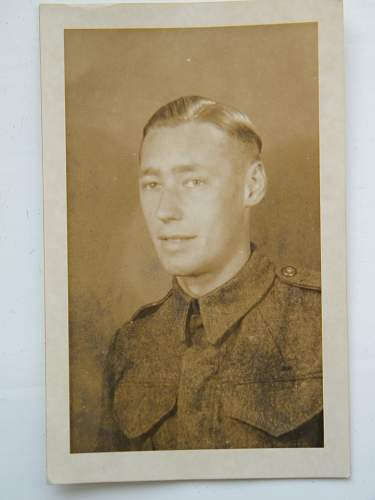 Click image for larger version.  Name:unknown army soldier in p37 bd.jpg Views:56 Size:153.8 KB ID:550058