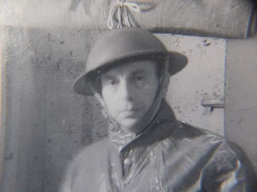WW1/WW2 RAF & ARP Wardens photographs/papers etc