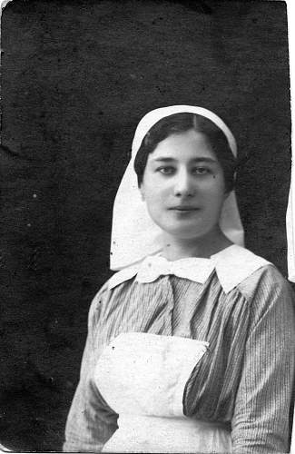 Click image for larger version.  Name:Nurse also featured in group photo.jpg Views:1870 Size:251.9 KB ID:121070