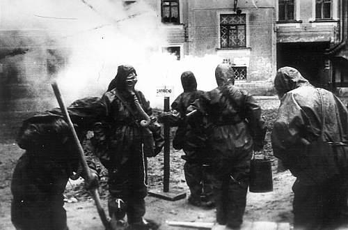 Click image for larger version.  Name:soviet gasmasks (1).jpg Views:178 Size:81.7 KB ID:22980