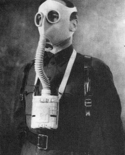 Click image for larger version.  Name:soviet gasmasks (6).jpg Views:315 Size:36.2 KB ID:22985