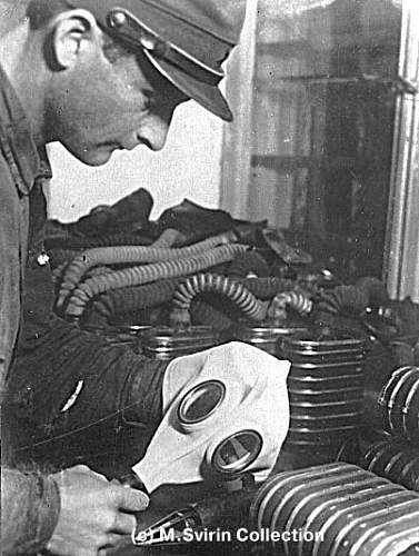 Click image for larger version.  Name:soviet russian gasmasks (18).jpg Views:309 Size:63.1 KB ID:23006