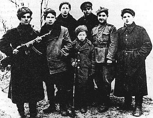 Click image for larger version.  Name:Russia-JewishRebels.jpg Views:637 Size:116.7 KB ID:45905