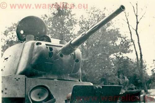 Click image for larger version.  Name:��tankpodbit.jpg Views:122 Size:62.8 KB ID:554