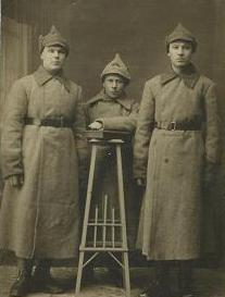 Soviet soldiers off to war