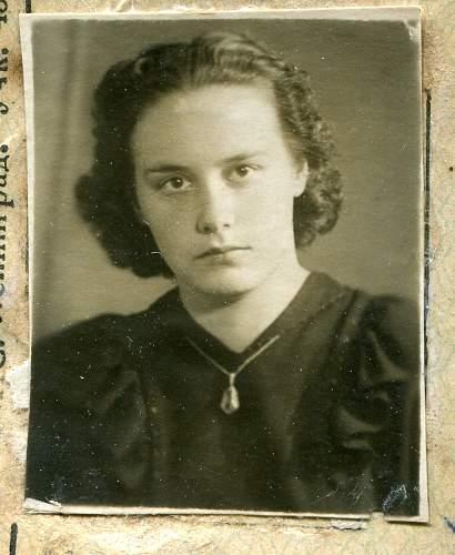 Click image for larger version.  Name:Varvara Frenovska, 1937.jpg Views:40 Size:228.1 KB ID:832156