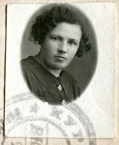 Click image for larger version.  Name:Anna Pavlovna Mukha, 1940c.jpg Views:70 Size:320.5 KB ID:895123