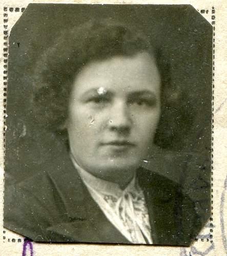 Click image for larger version.  Name:Anna Pavlovna Mukha, 1943d.jpg Views:65 Size:152.8 KB ID:895124