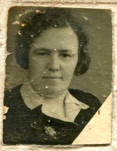 Click image for larger version.  Name:Anna Pavlovna Mukha, 1945c.jpg Views:80 Size:188.3 KB ID:895125