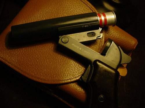 """Cezch Flare gun,""""red rain"""" find"""