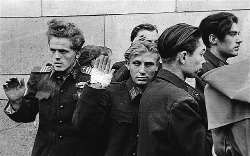 Click image for larger version.  Name:execution-by-hungarian-freedom-fighters-of-young-officers-of-the-secret-police-budapest-1956-by.jpeg Views:126 Size:119.7 KB ID:557815