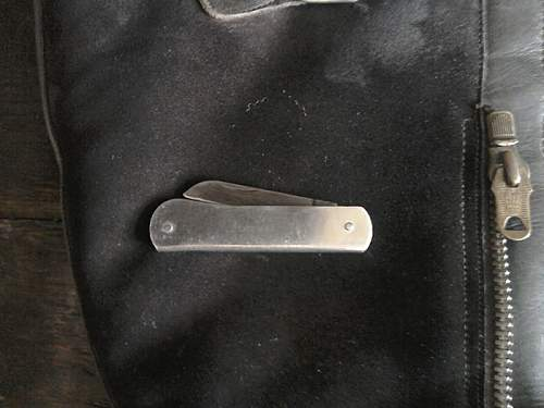 Can anybody show me what a 1943 pattern RAF Escape boot knife looks like?