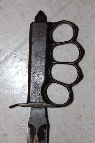 LF&C 1918 knuckle knife Real or fake