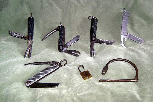 Click image for larger version.  Name:Issue knives.jpg Views:240 Size:341.1 KB ID:535534