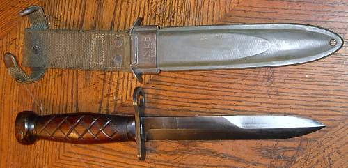 Wood grip M-4 bayonet