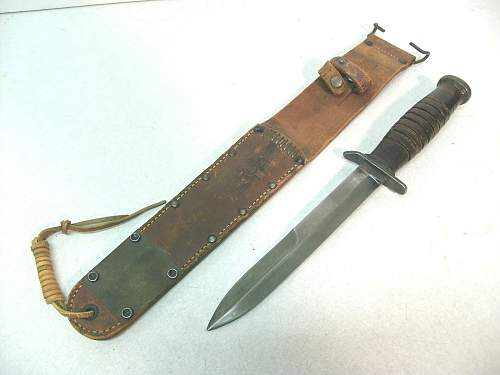 Combat knife in the form of a dagger - blade marked - WW2 maybe ? !
