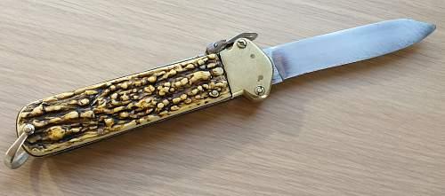 Gravity knife British