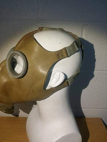 Soviet Mod. O8 Gas Mask (retrofitted for Luftshutz usage)
