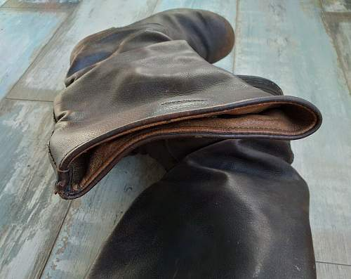 Need help with Soviet boots