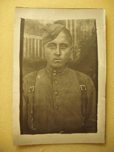 Click image for larger version.  Name:ww2 red army soldier 1943 dated.jpg Views:113 Size:64.2 KB ID:169019