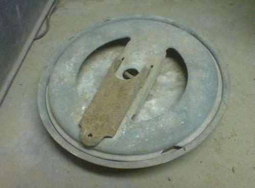 Unknown Soviet tins