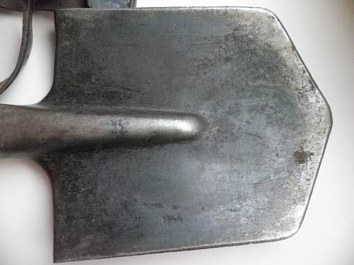 Russian Entrenching Tool w/carrier