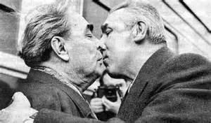 Name:  Kissing russians.jpeg Views: 60 Size:  11.9 KB