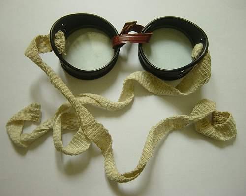 British / Commonwealth sun and dust goggles