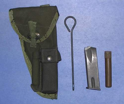 Click image for larger version.  Name:P'82 Web Holster for Inglis Pistol (HP35).jpg Views:1185 Size:33.0 KB ID:116332