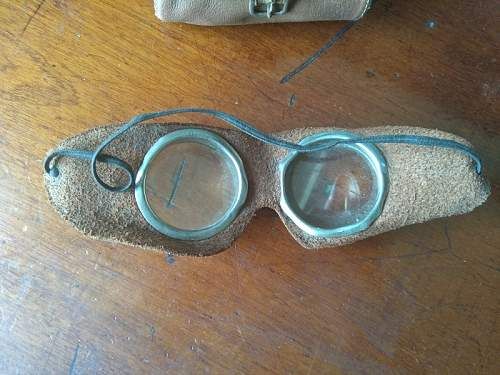 """Help me identify these """"glasses"""""""