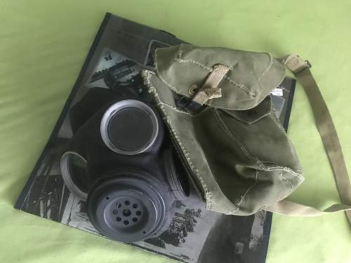 British gasmask from 1943 with bay and without filter