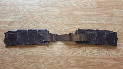 Antique Mexican Army Ammo  Belt with Pouches Mexico..  Revolution or Federales ?