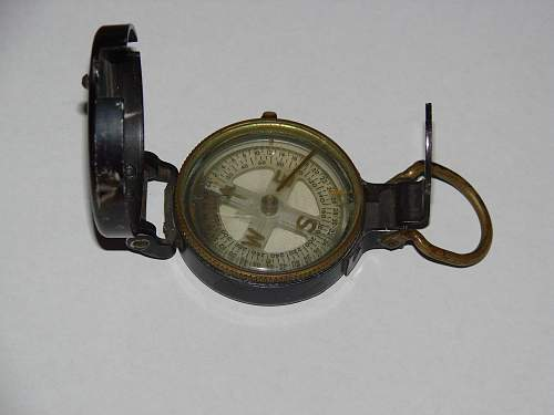 Is this a WW2 American compass?