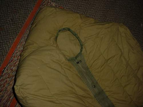 "US issue ,mountain ""mummy"" sleeping bag,feather filled pickup"