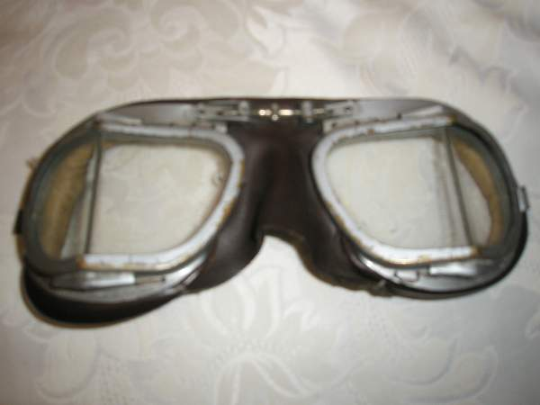 Help - Leather flying helmet and Goggles