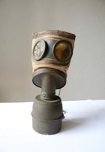 Very odd gas mask