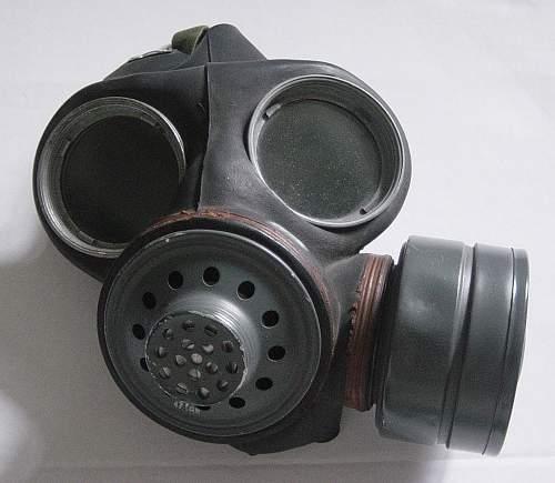 British Lightweight respirator
