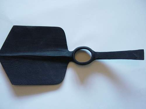 Click image for larger version.  Name:Entrenching Tools 004.jpg Views:481 Size:128.4 KB ID:301967