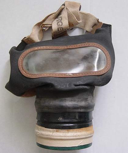 Click image for larger version.  Name:British civilian issue respirator 1938. 004.jpg Views:99 Size:158.8 KB ID:30410