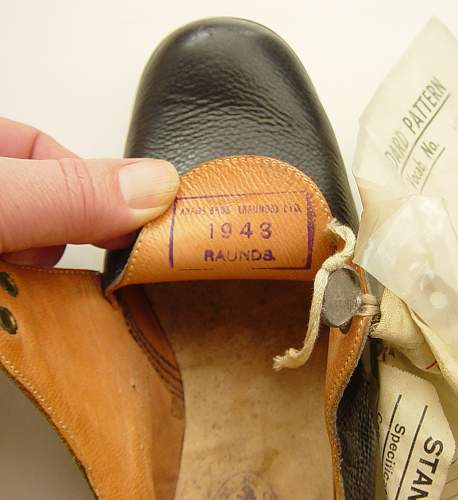 Click image for larger version.  Name:Shoes, Galley, WRNS 006.jpg Views:60 Size:139.0 KB ID:320234